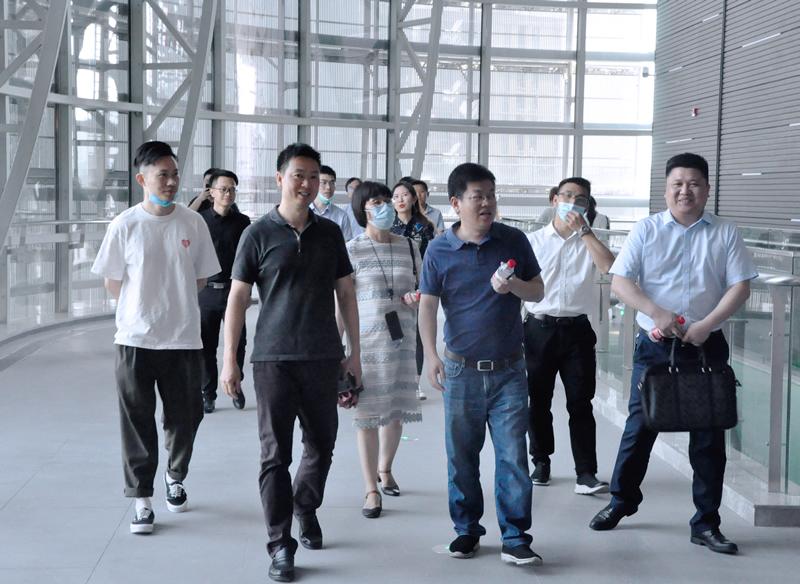 区委组织部郑小兵一行考察运河文化发布中心