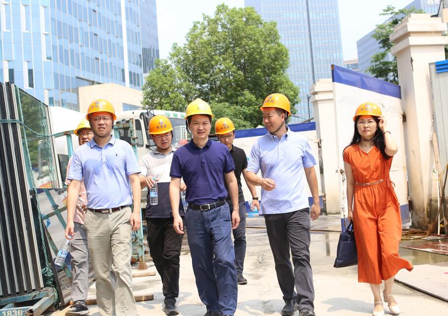 区委常委、宣传部长黄建正一行视察运河文化发布中心
